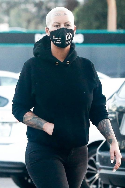 AMBER ROSE Shopping at Westfields in Los Angeles 01/15/2021