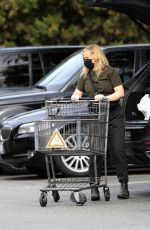 AMY POEHLER Out Shopping in Beverly Hills 01/10/2021
