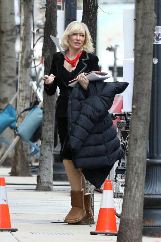 CATE BLANCHETT on Set fo Don't Look Up in Boston 01/22/2021
