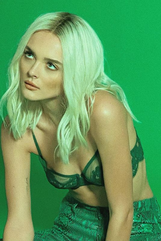 CHARLOTTE LAWRENCE at a Photoshoot – Instagram Photos 01/02/2021