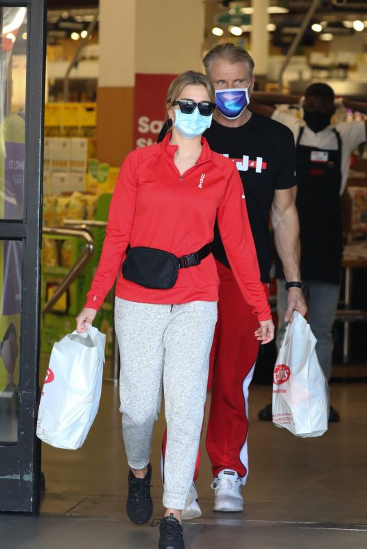 EMMA KROKDAL and Dolph Lundgren Shopping at Ralphs in Los Angeles 01/06/2021