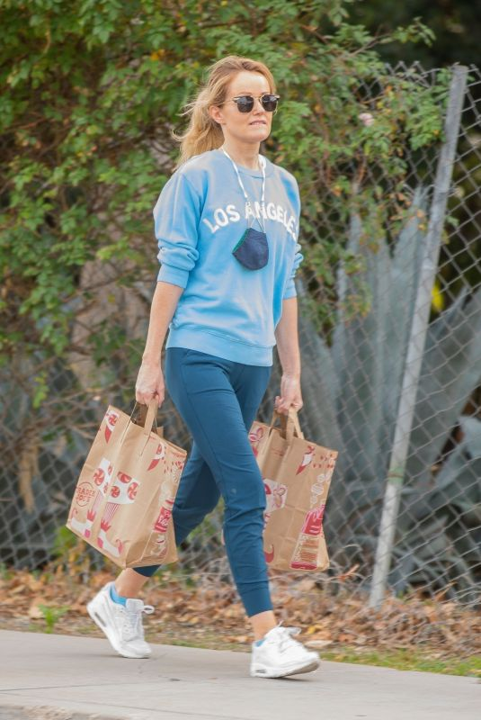 HAYLEY ROBERTS Out Shopping in Calabasas 01/06/2021