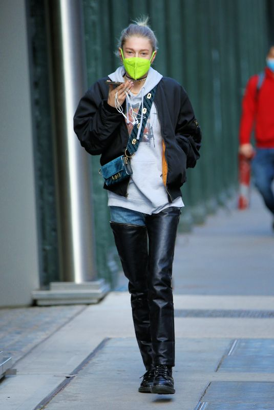HUNTER SCHAFER Out and About in New York 01/18/2021