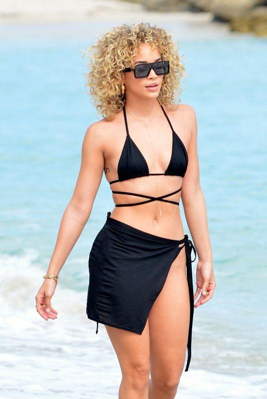 JASMINE SANDERS in Bikini on the Beach in Miami 01/18/2021