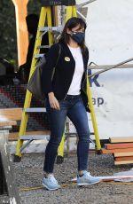 JENNIFER GARNER Check Out Construction of Her New Home in Brentwood 01/21/2021