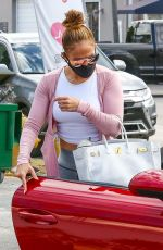 JENNIFER LOPEZ Arrives at a Gym in Miami 01/24/2021