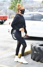 JENNIFER LOPEZ Arrives at a Gym in Miami 01/28/2021