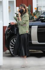 JORDANA BREWSTER at Brentwood Country Mart 01/27/2021