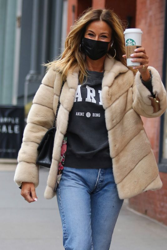 KELLY BENSIMON Out for Coffee in New York 01/24/2021