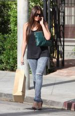 KHLOE KARDASHIAN Out Shopping in Los Angeles 09/14/2009