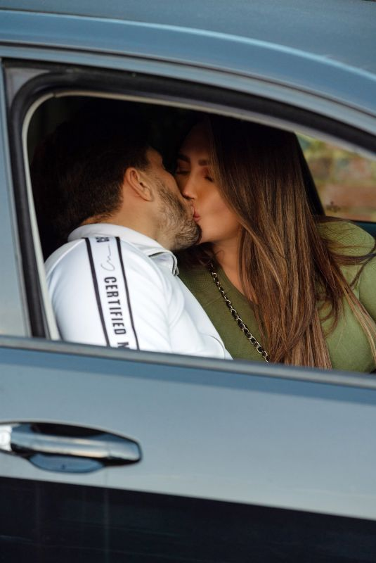 LAUREN GOODGER and Charles Drury Out Kissing in Essex 12/31/2020
