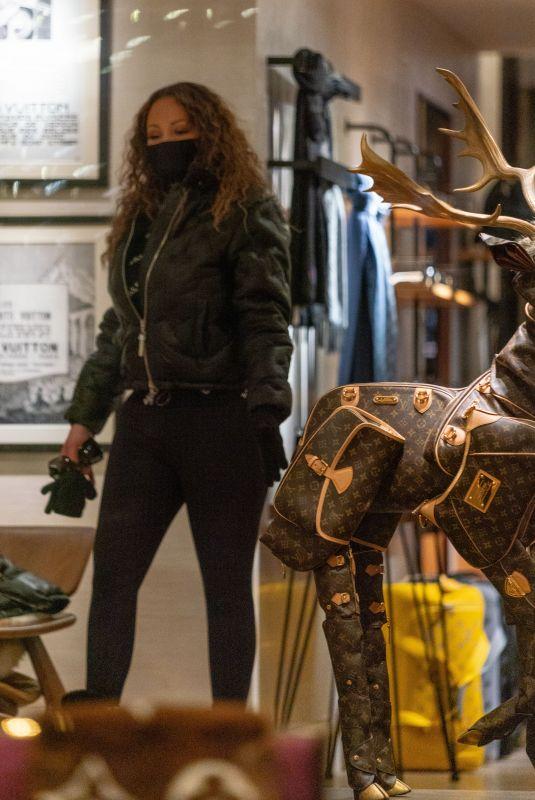 MARIAH CAREY Shopping at Louis Vuitton Store in Aspen 01/09/2021