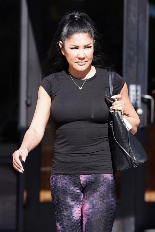 MIA ST JOHN Lewaves a Gym in Los Angeles 01/16/2021