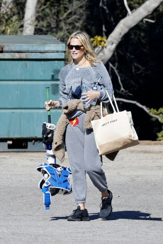 MOLLY SIMS at a Softball Class in Pacific Palisades 01/24/2021