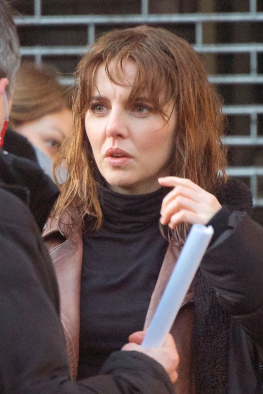 OPHELIA LOVIBOND on the Set of a Princess in London 01/23/2021
