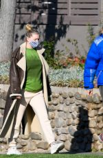 Pregnant ELSA HOSK and Tom Daly Out for Breakfast in Pasadena 01/24/2021
