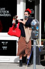 SCOUT WILLIS Shopping at Home Depot in Los Angeles 01/19/2021