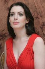 ANNE HATHAWAY at Becoming Jane Press Conference 07/11/2007