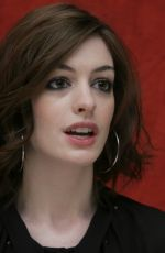 ANNE HATHAWAY at Get Smart Press Conference 05/31/2008