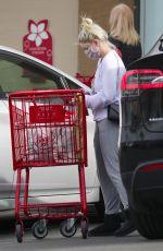 ARILE WINTER Shopping at Trader Joe