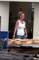 BBRITNEY SPEARS Out in West Hollywood 01/28/2003