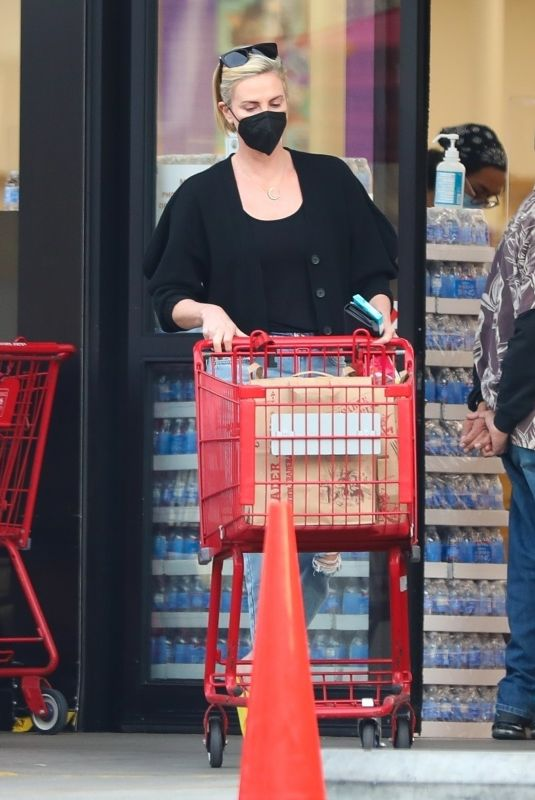 CHARLIZE THERON Shopping at Trader Joe's in Los Angeles 02/04/2021