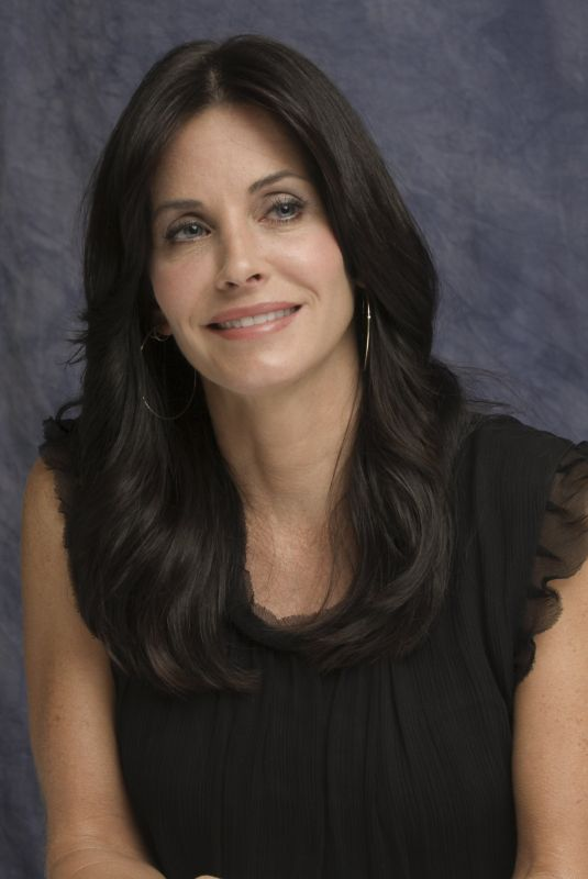 COURTENEY COX at Cougar Town Press Conference 10/07/2009