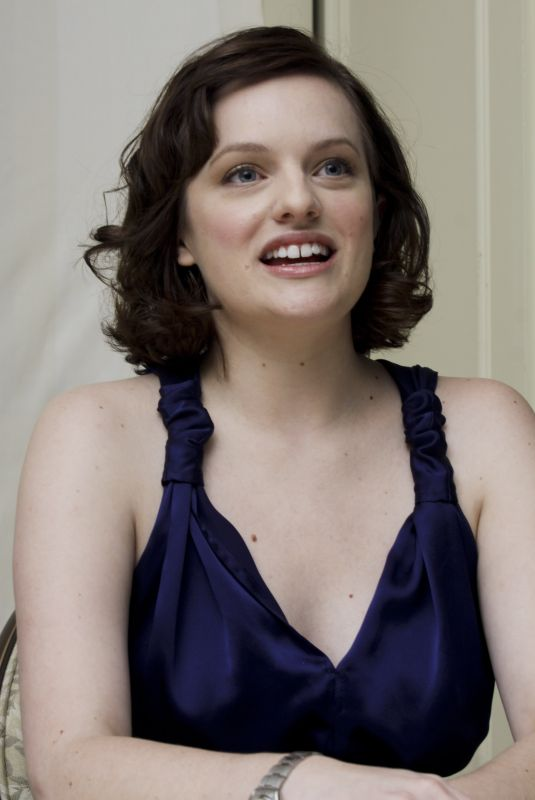 ELISABETH MOSS at Mad Men Press Conference 08/28/2009