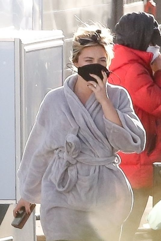 FLORENCE PUGH on the Set of Don't Worry Darling in Los Angeles 02/08/2021