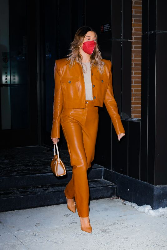 HAILEY BIEBER Leaves Her Apartment in New York 02/21/2021