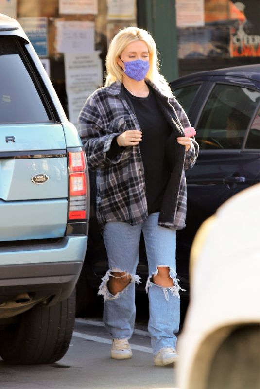 HOLLY MADISON in Ripped Denim at Starbucks in Los Angeles 02/04/2021