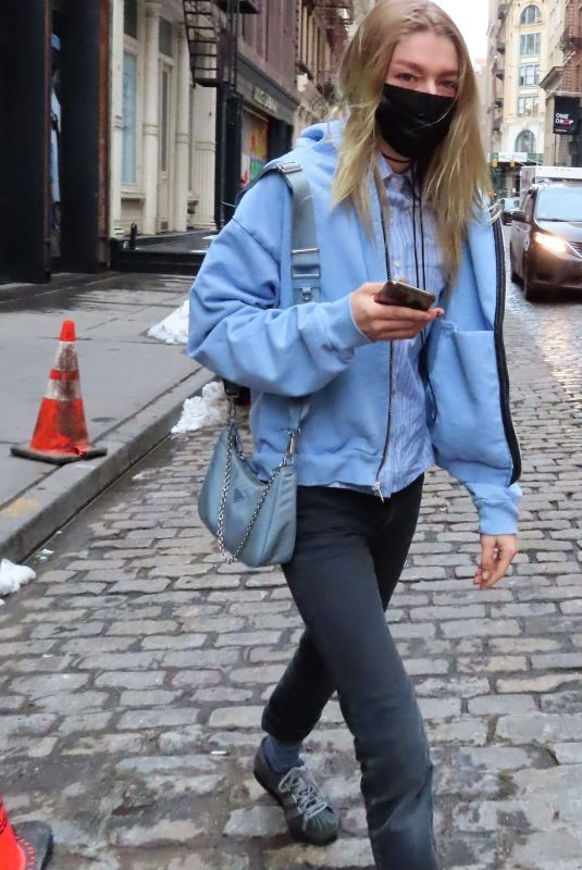 HUNTER SCHAFER Out and About in New York 02/11/2021