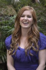 ISLA FISHER at Confessions of a Shopaholic Press Conference 01/25/2009