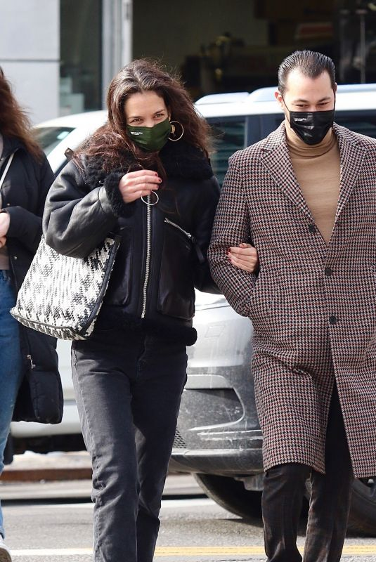 KATIE HOLMES and Emilio Vitolo Jr Out in New York 02/26/2021