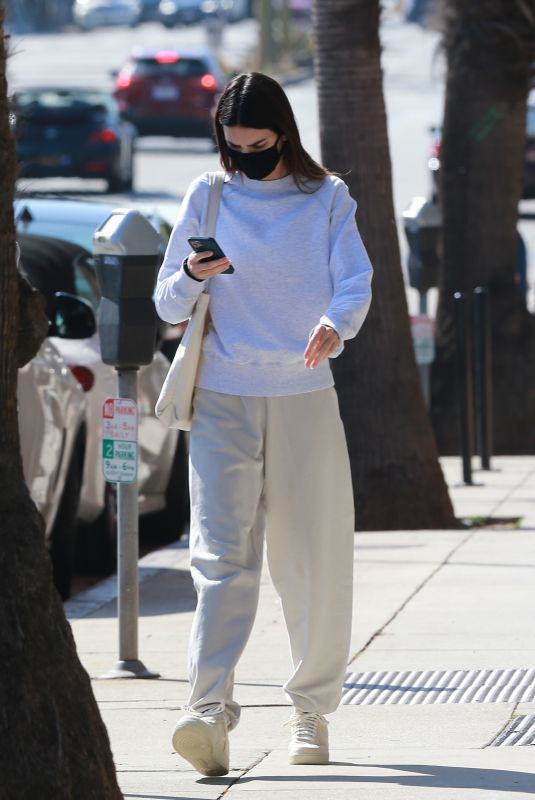 KENDALL JENNER Leaves a Doctor's Office in Santa Monica 02/04/2021