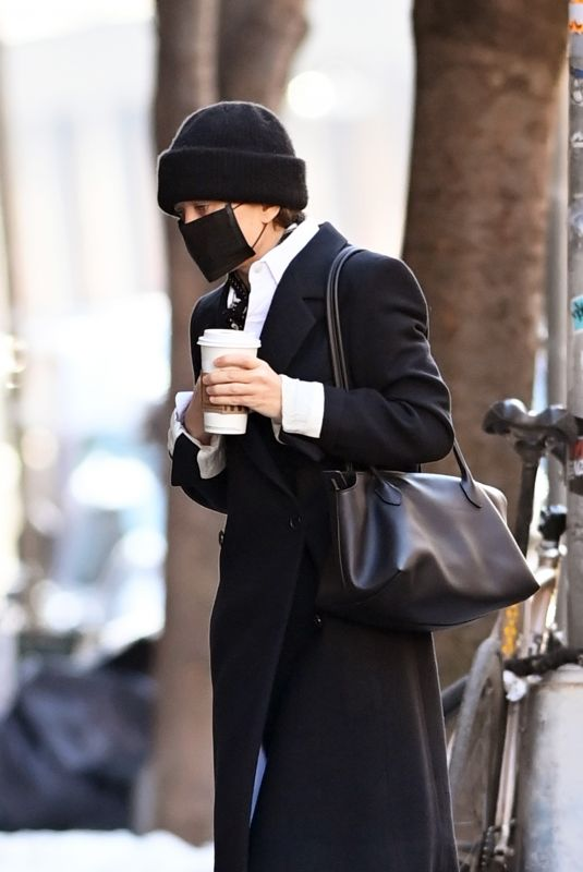MARY KATE OLSEN Out in New York 02/11/2021