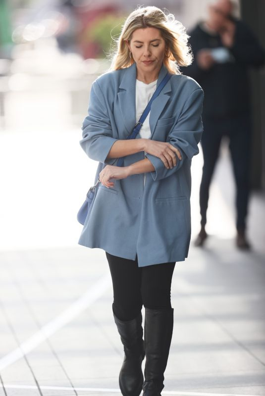 MOLLIE KING Show Her Engagement Ring Out in London 02/12/2021