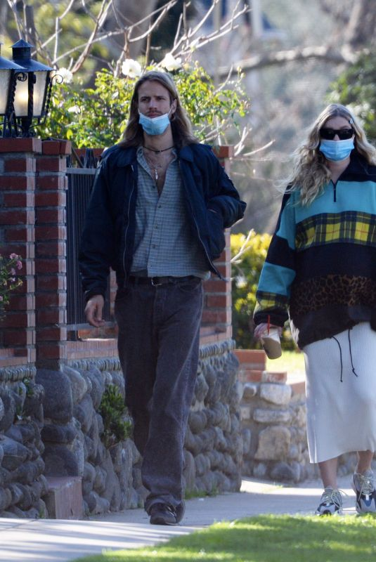 Pregnant ELSA HOSK and Tom Daly Out in Pasadena 02/06/2021