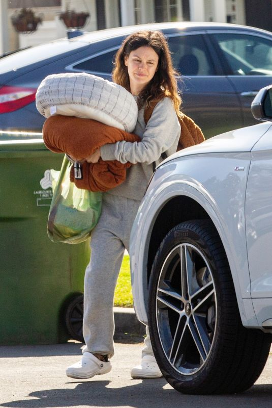 RACHEL BILSON Leaves Her Mother
