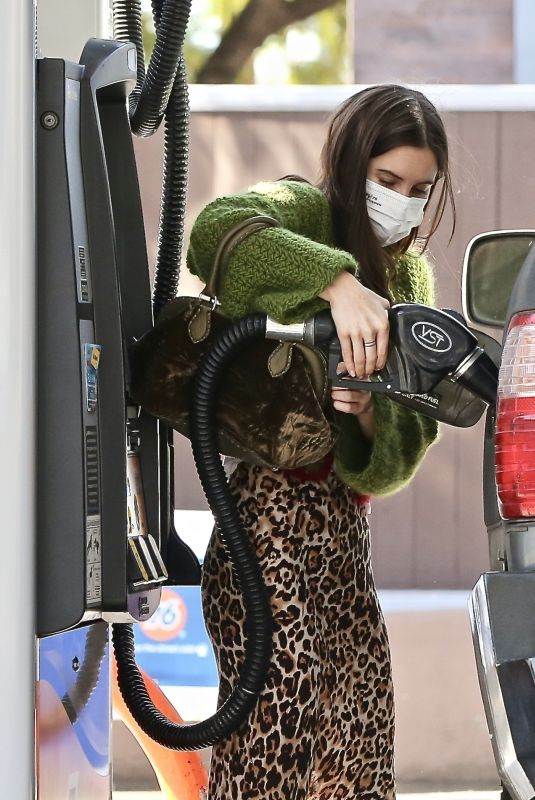 SCOUT WILLIS at a Gas Station in Los Feliz 02/03/2021
