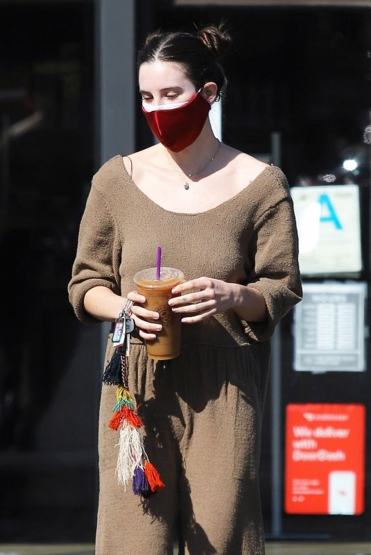 SCOUT WILLIS at a Gas Station in Los Feliz 02/25/2021