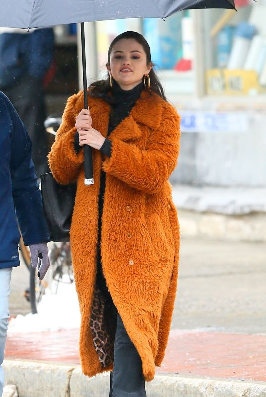 SELENA GOMEZ on the Set of Murders in the Building in New York 02/23/2021