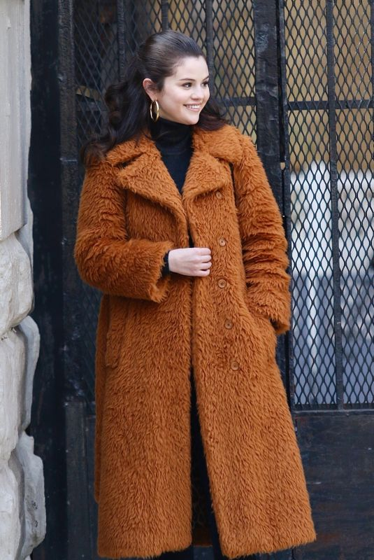 SELENA GOMEZ on the Set of Murders in the Building in New York 02/24/2021
