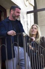 TAYLOR NEISEN and Liev Schreiber Out for lunch in Venice 02/21/2021