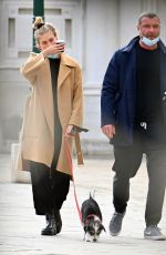 TAYLOR NEISEN and Liev Schreiber Out with Their Dog in Venice 02/09/2021