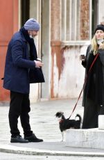 TAYLOR NEISEN and Liev Schreiber Out with Their Dog in Venice 02/12/2021