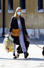 TAYLOR NEISEN Buying Flowers in Venice 02/09/2021