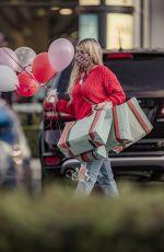 TORI SPELLING Shopping for Valentine