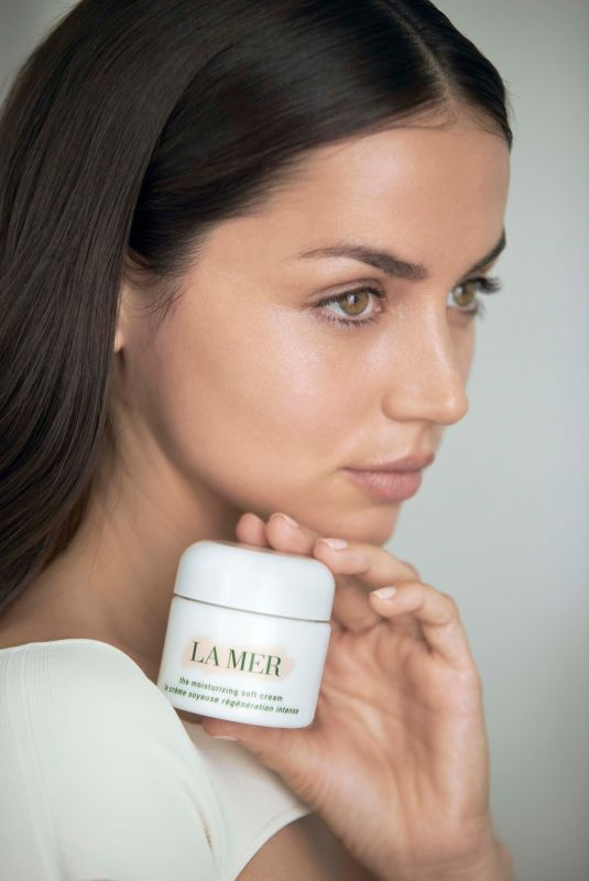 ANA DE ARMAS for La Mer Cosmetic 2021