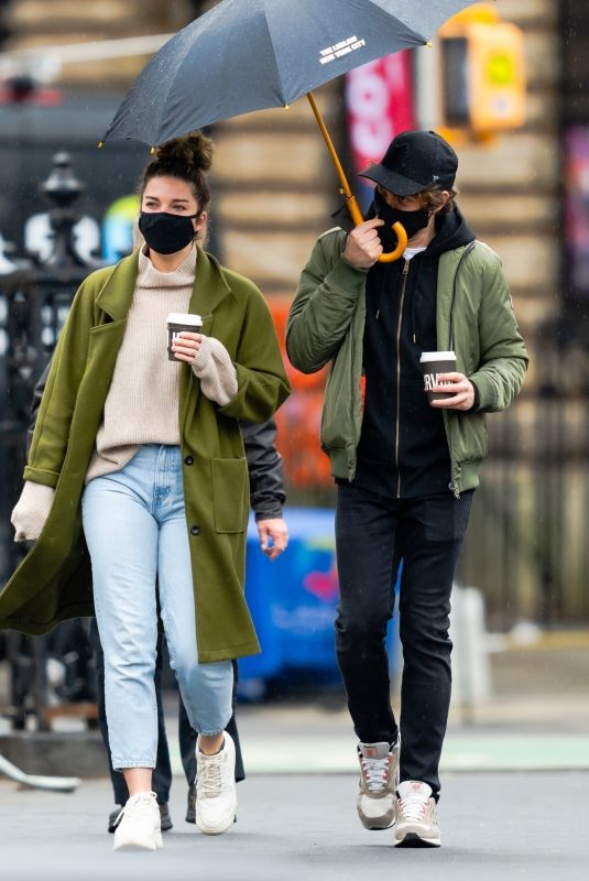 ANNIE MURPHY Out with a Friend in New York 03/28/2021